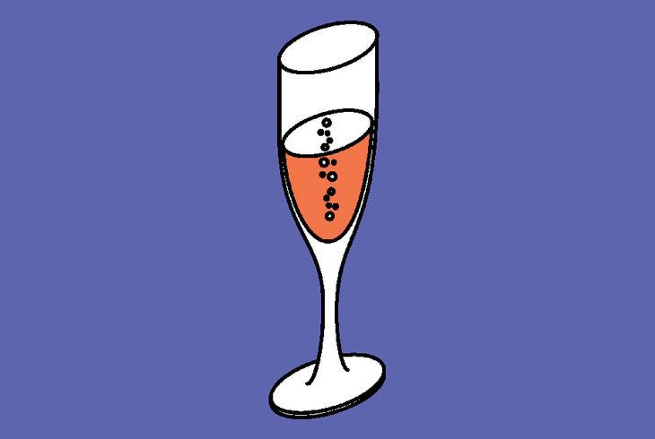 coupe de champagne sur fond violet